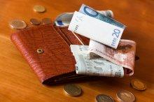 pieniądze w portfelu